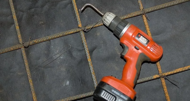 Как правильно вязать арматуру для ленточного фундамента — пошаговая инструкция